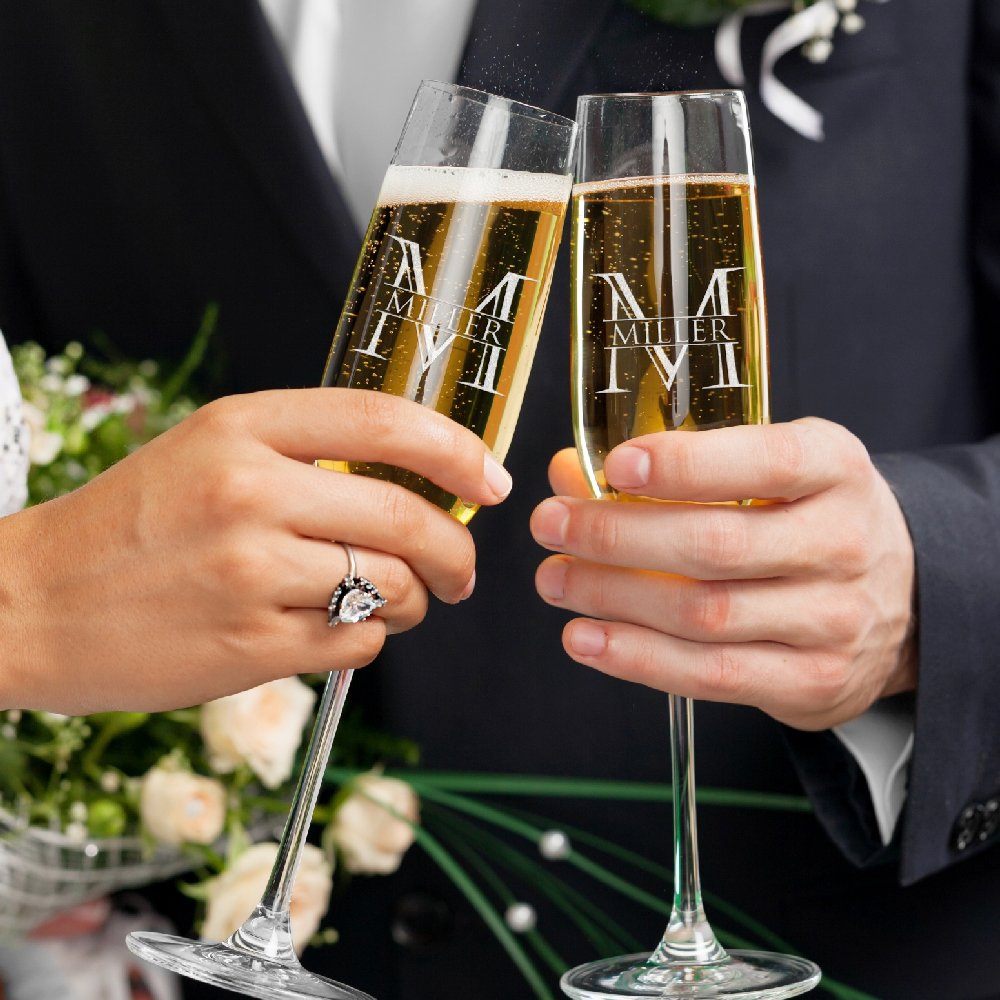 Set of 2 Personalized Wedding Champagne Flutes Engraved Glass Bride and Groom Gift Wedding Favors - Design 7