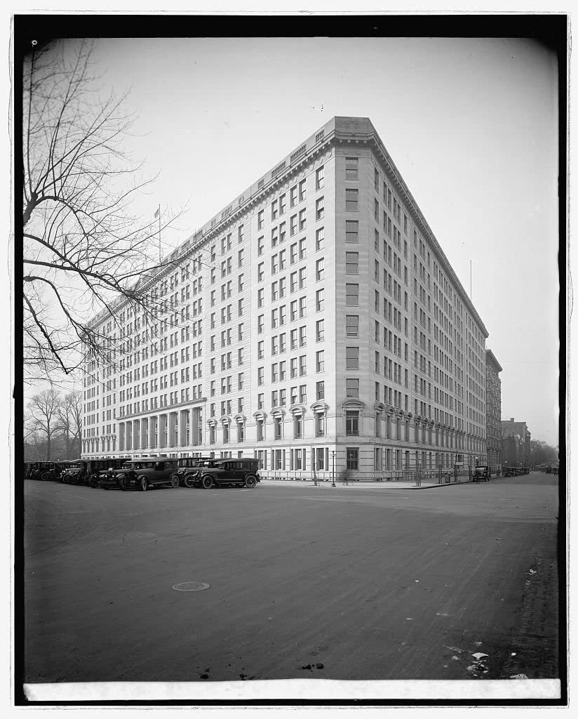 Vintography Reproduced 16 x 20 Photo of: War Risk, Vermont Ave, Washington, D.C. 1922 National Photo Company