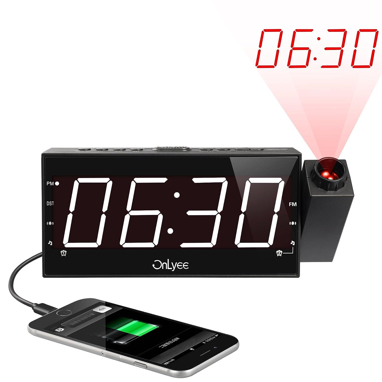 """OnLyee 1.8 """"Relógio de Rádio FM Pode Ser Escurecido Com Projeção Agora, Display LED, Carregamento USB, Alarme Duplo, Bateria de Cotonete, Temporizador de Desligamento Automático, Função Snooze"""