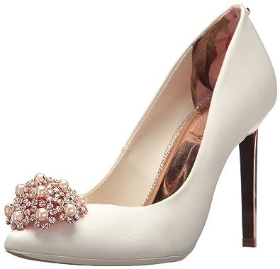 7ef3c4c82f9d6 Amazon.com  Ted Baker Women s Peetch 2 Pump  Shoes