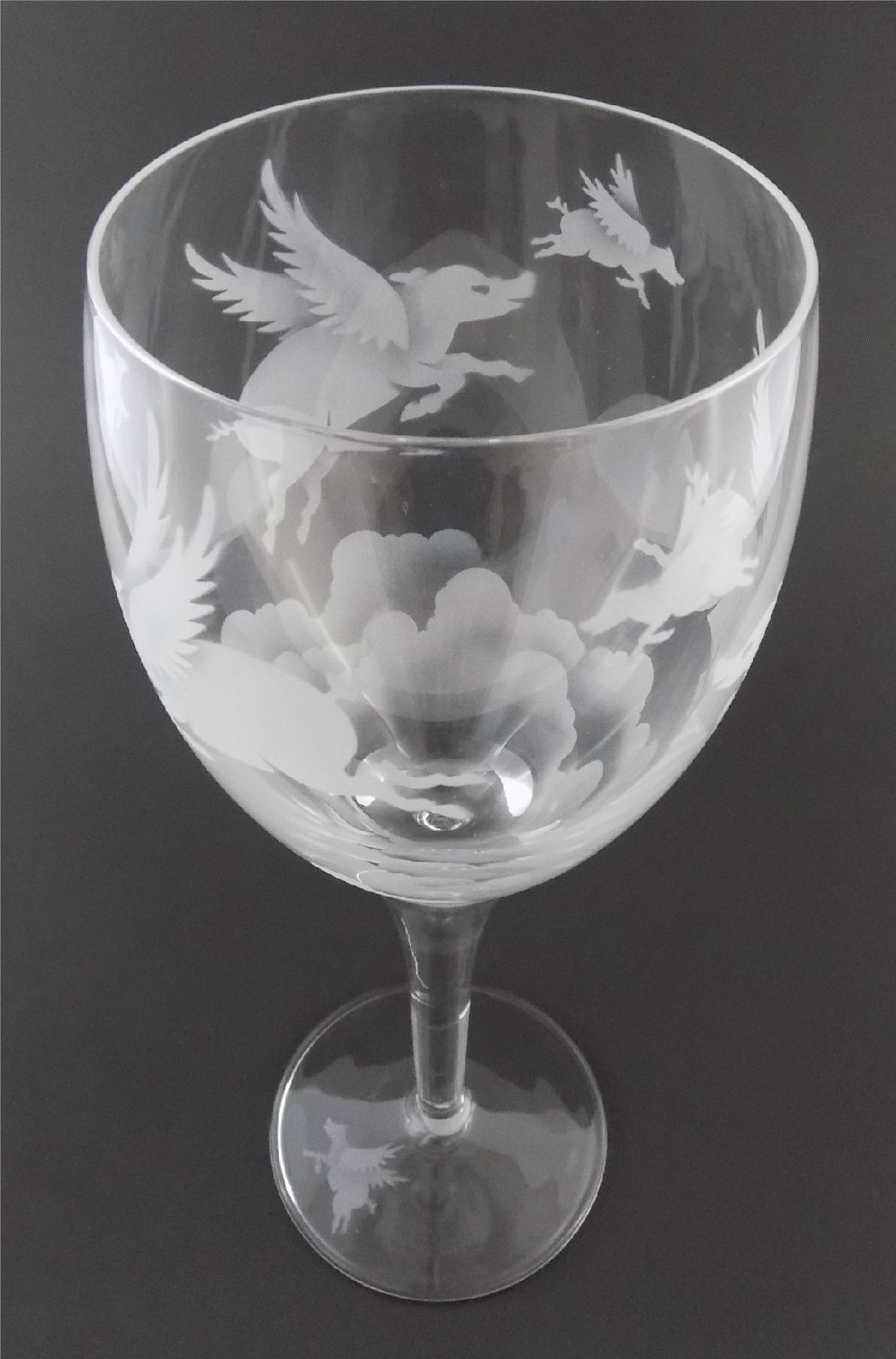 IncisoArt Hand Etched Italian Crystal Goblet Sandblasted (Sand Carved) Handmade Wine Water Glass Engraved (Pigs Flying Over Clouds, 340 Milliliter (11.5 Ounce) White Wine)