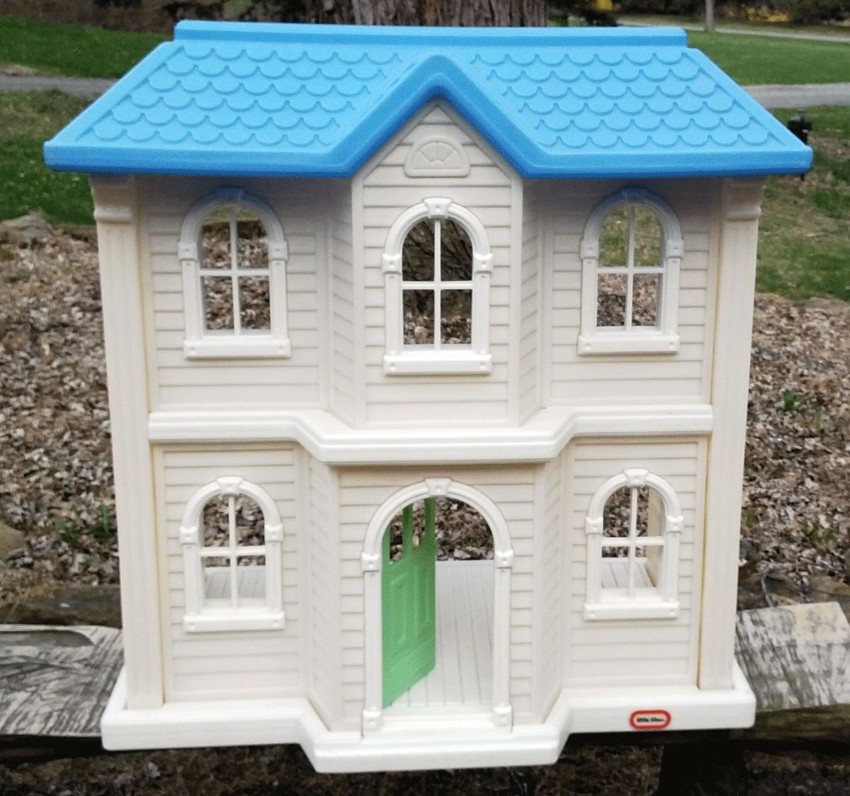 Amazon.com: Little Tikes My Size Barbie Doll House Dollhouse White ...