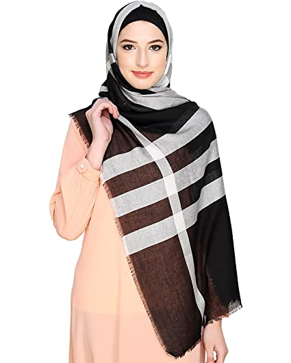 597e919537 Urban Modesty Wide Checkered Black Hijab  Amazon.in  Clothing ...