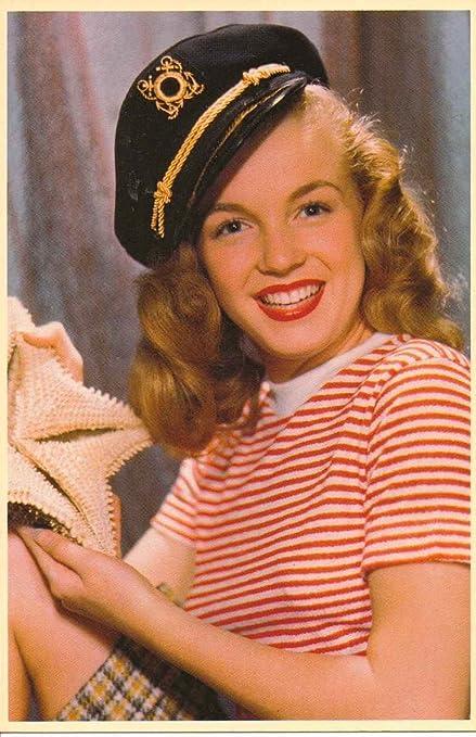 Amazon com : Marilyn Monroe Captains Hat Photo Postcard : Blank