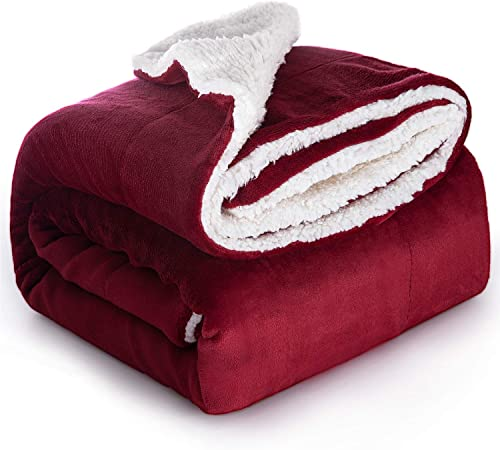 Bedsure Sherpa Throw Blanket Red Travel/Single Size (130 x 150cm) Fleece  Bed Throws Warm Reversible Microfiber Solid Blankets for Bed and Couch