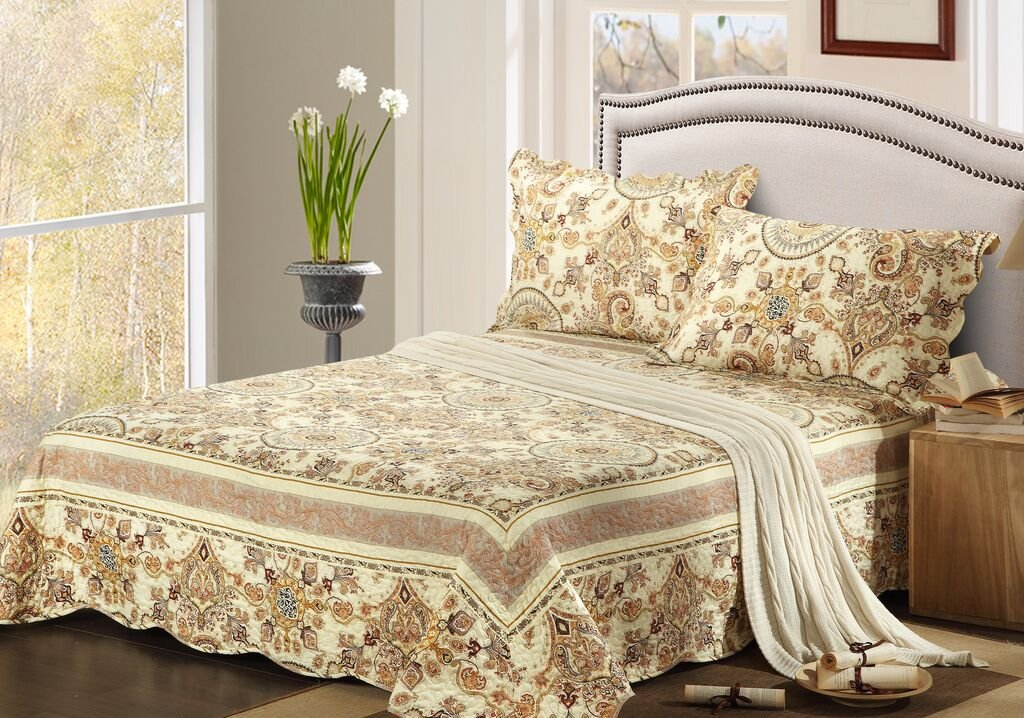 Gold Royal Medallion Reversible Bedspread Quilt Set