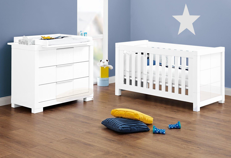 Pinolino Sparset Star breit, 2-teilig, Kinderbett (140 x 70 cm) und breite Wickelkommode mit Wickelaufsatz, weiß Hochglanz (Art.-Nr. 09 34 79 B)