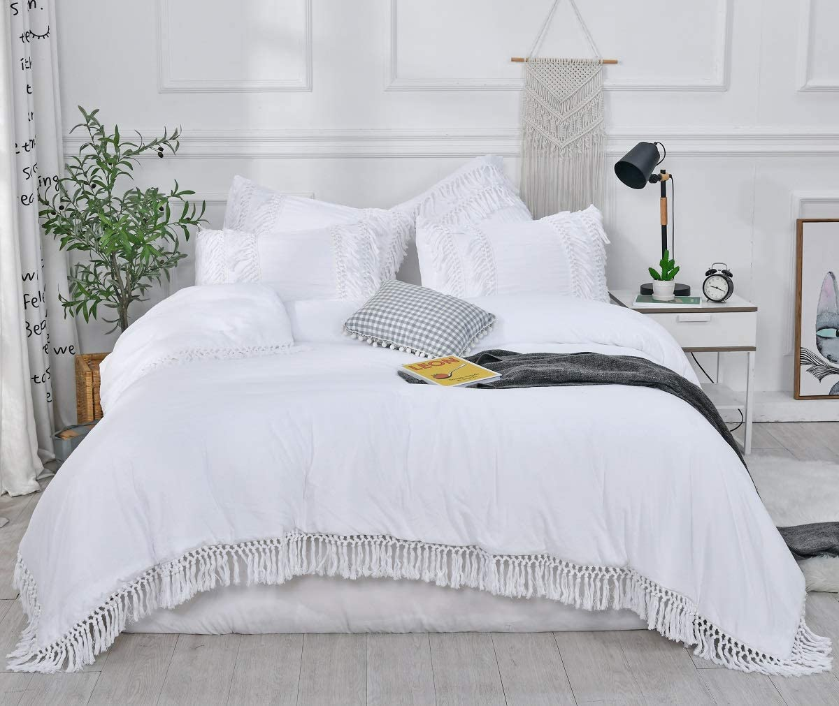 SexyTown- White Ruffle Tassel Comforter Set,Queen Boho Fringe Bedding with Pillow Shams
