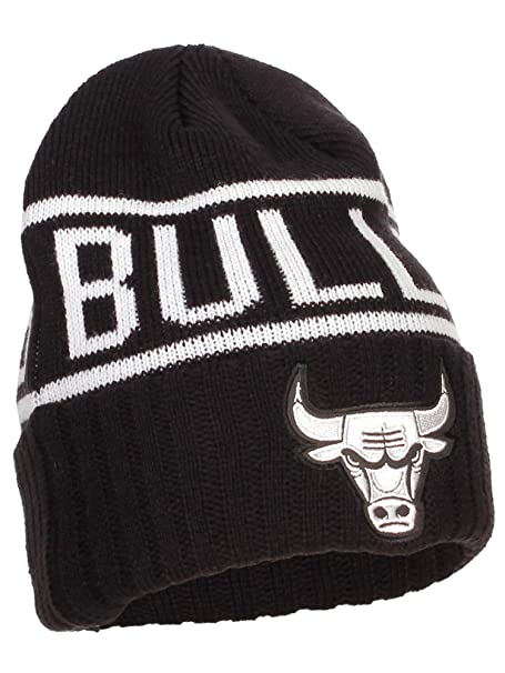 54e85a7e7c2 Image Unavailable. Image not available for. Color  Chicago Bulls Cuffed  Mitchell   Ness Knit Hat ...