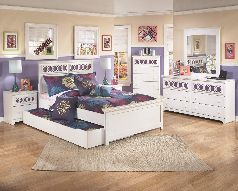 Ashley Furniture Signature Design - Zayley Chest of Drawers - 5 Drawers - Interchangable Panels - Contemporary - White by Signature Design by Ashley (Image #4)