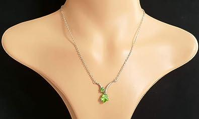 0e1a2c2a56086 Collier avec pendentif Fleurs vert Fait avec Swarovski or blanc 18 carats  Terminer Bijoux  Signore-Signori  Amazon.fr  Bijoux