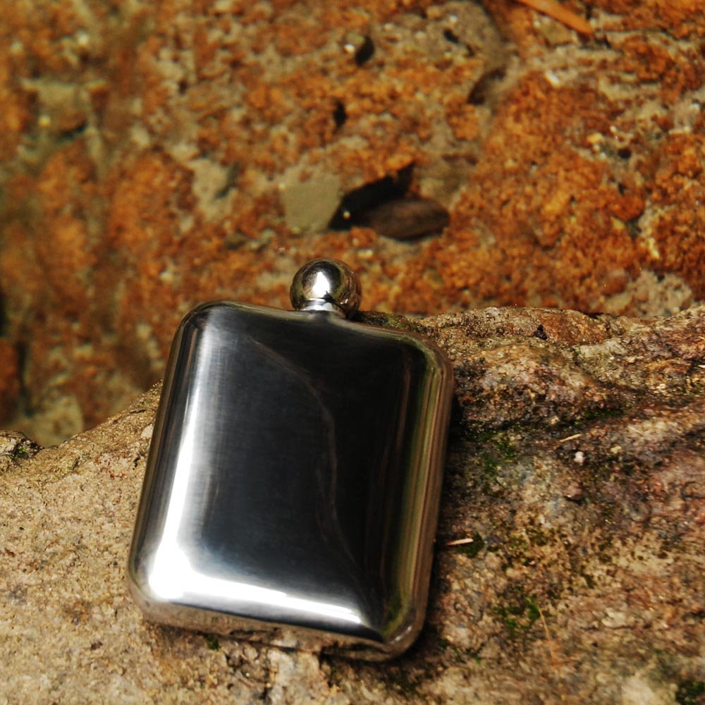 SAVAGE 6oz Hip Flask Round Lid 18//8 Stainless Steel Mirror Finished