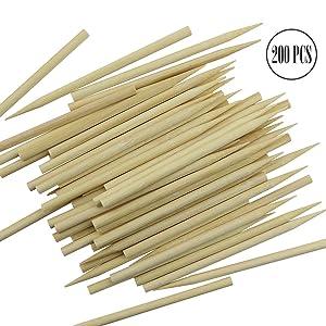 "BcPowr 200PCS Roasting Sticks Wooden Candy Apple Skewer Sticks Candy Stick Candy Stick Skewer Semi Pointed Lollipop Sticks Environmentally Safe (5.12"" x 0.24"")"