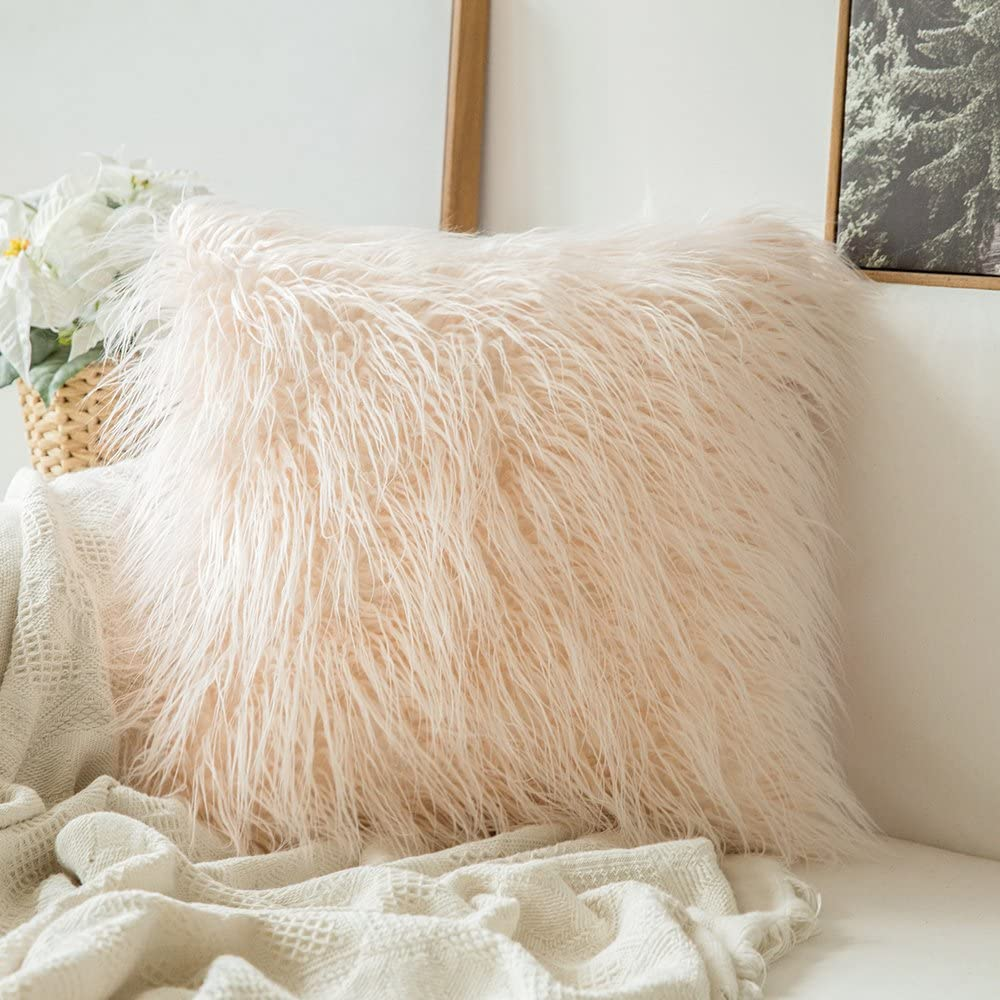 MIULEE Decorative New Luxury Series Style Pink Faux Fur Throw Pillow Case Cushion Cover for Sofa Bedroom Car 18 x 18 Inch 45 x 45 cm