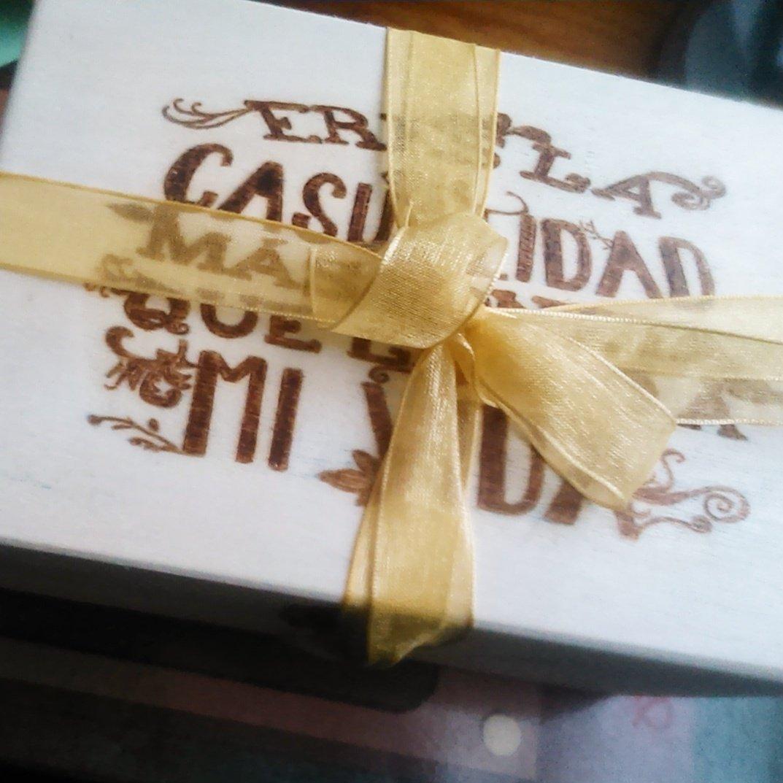 Amazon.com: woodburning Box. Eres la Casualidad más bonita que llegó a mi vida. Caja de madera pirograbada.: Handmade