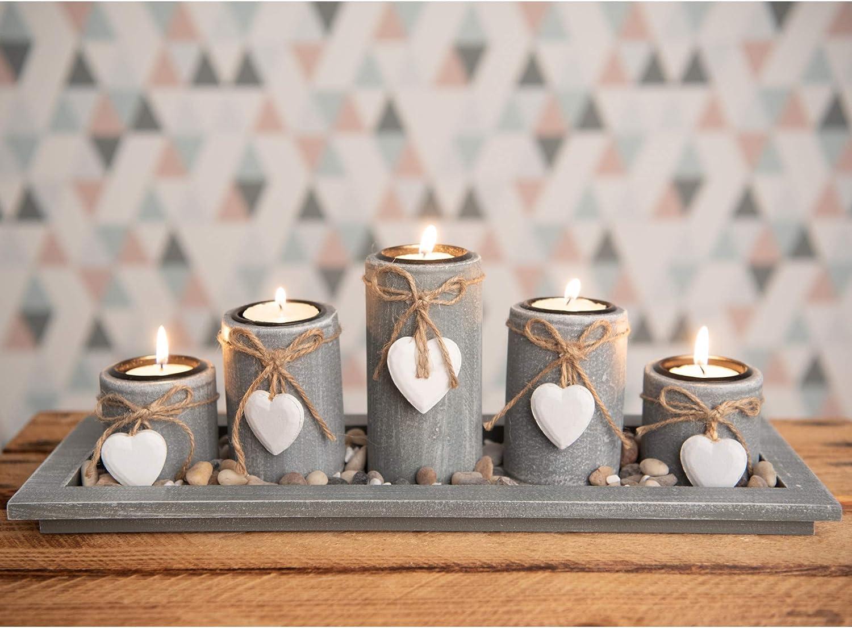 Teelichthalter-Set auf Holz-Tablett