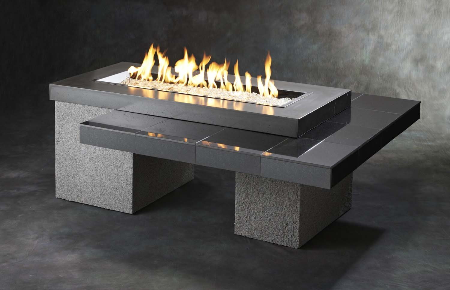 88,000 BTU Outdoor Greatroom Uptown Gas Fire Pit