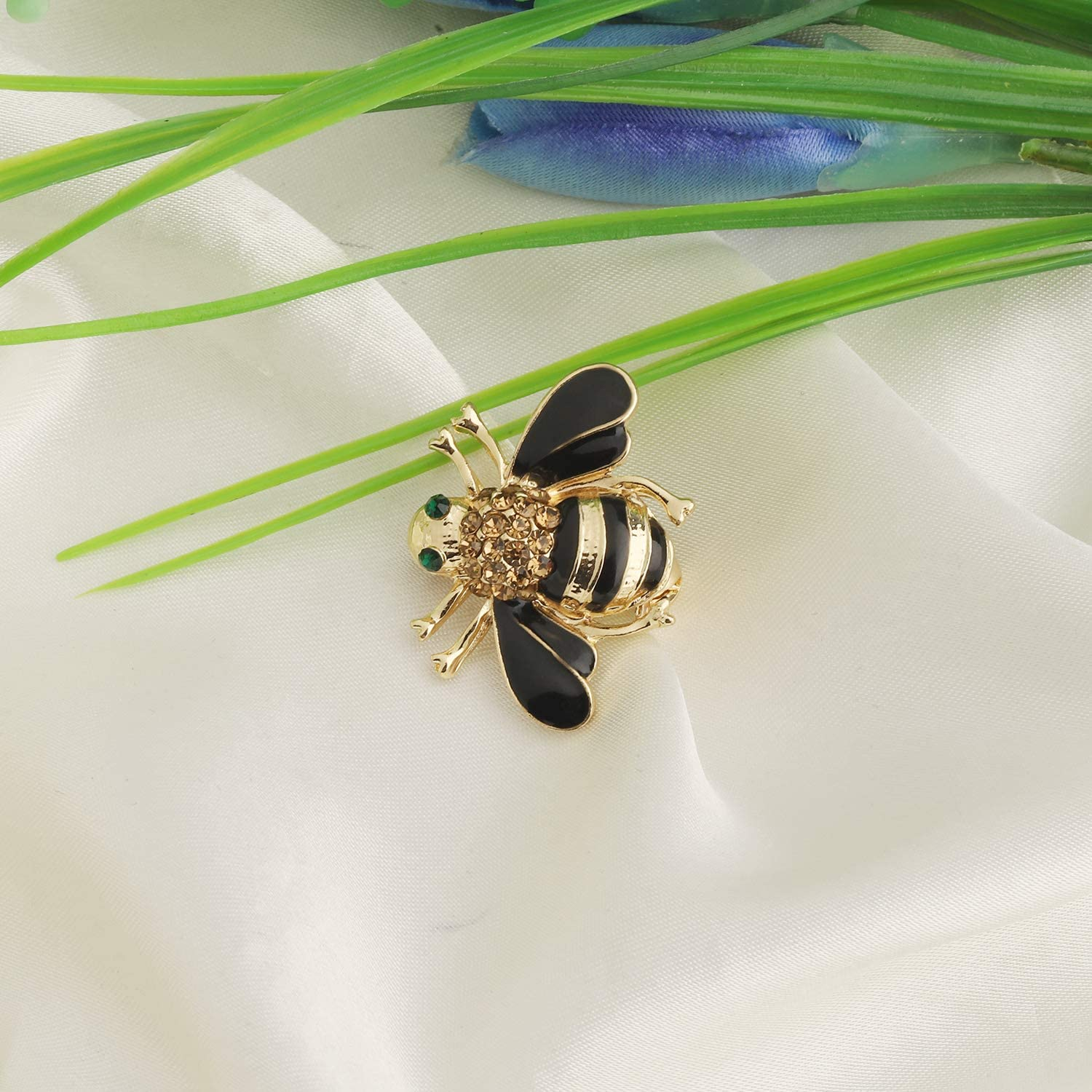 MYOSPARK Honey Bee Brooch Yellow Crystal Insect Themed Bee Brooch Animal Jewelry Gift for Teacher Bee Lover