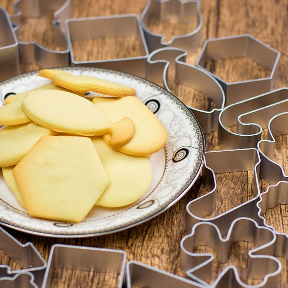 Amazon.com: eDealMax acero inoxidable casero cocina Pétalos del tulipán Diseño galleta de la torta molde del cortador 2 en 1: Kitchen & Dining