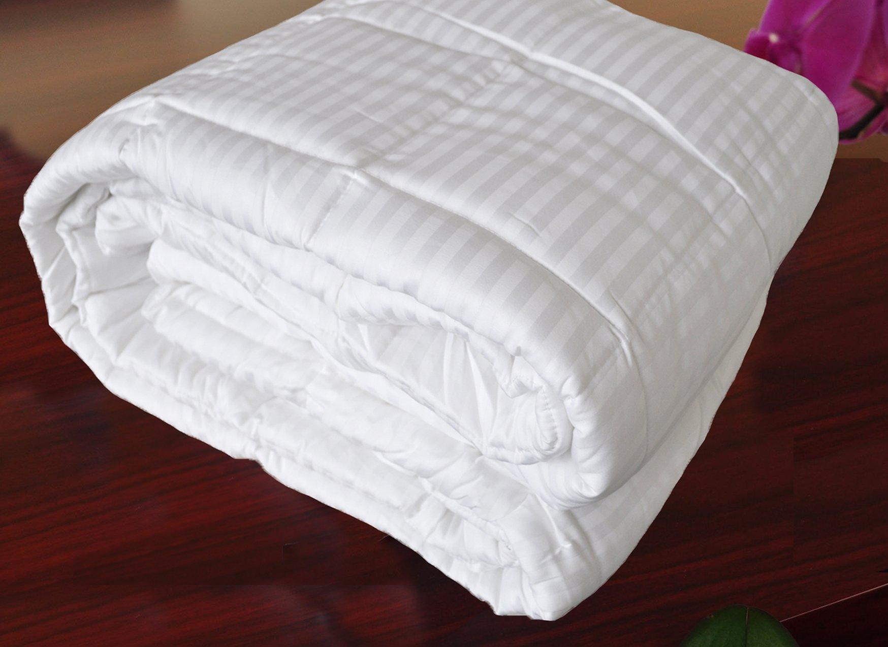 Natural Comfort Hotel Select 250TC Down Alternative White Oversize Comforter, Duvet Cover Insert, Queen