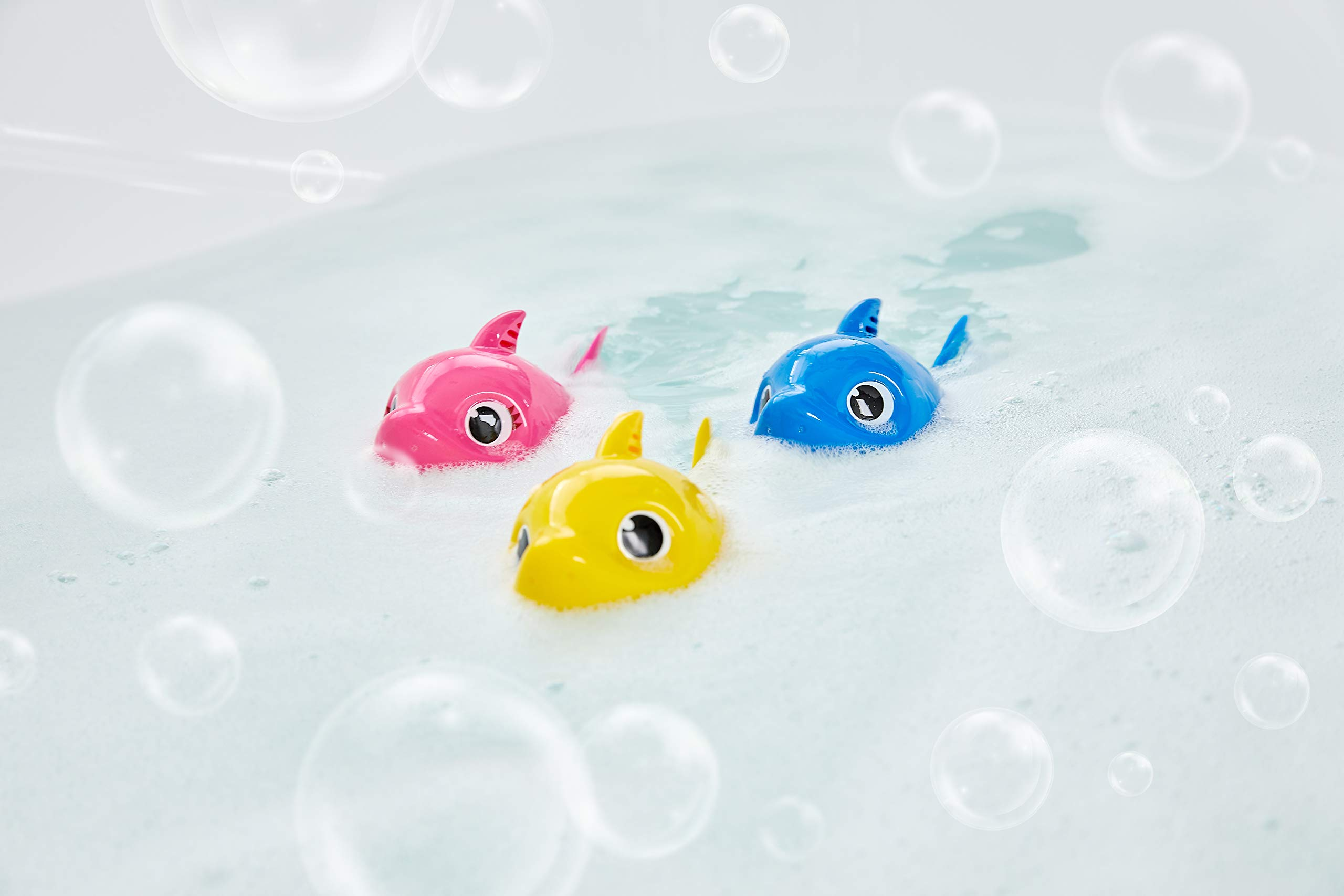 Robo Alive Junior Baby Shark Battery-Powered Sing and Swim Bath Toy by ZURU - Daddy Shark (Blue) by Robo Alive Junior (Image #8)