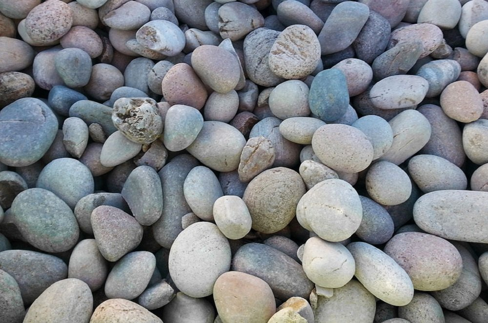 Chas Long & Sons Scottish Pebbles 20-50mm 25KG Bag