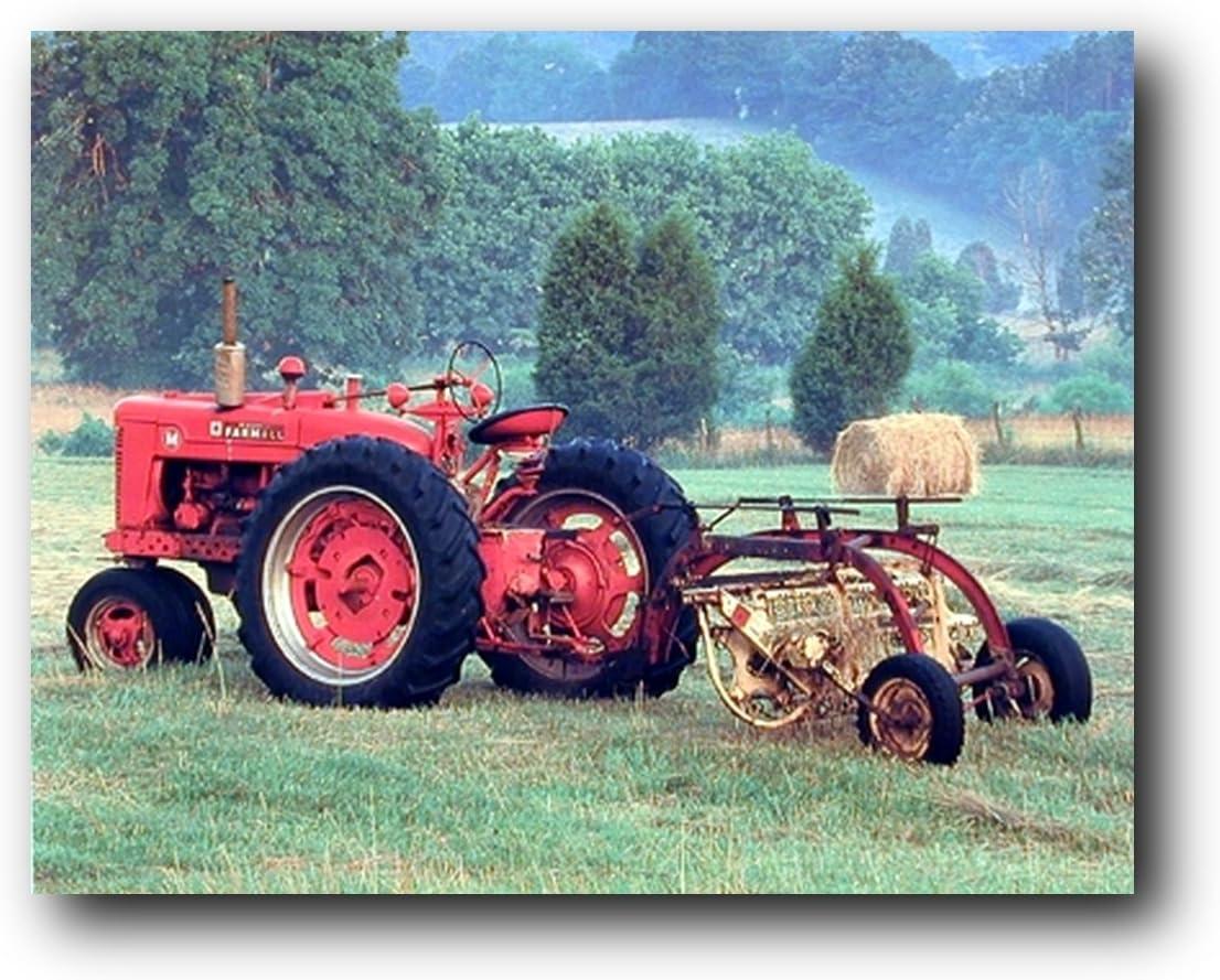 Red Farmall M Vintage Farm Tractor Wall Decor Art Print Poster (16x20)