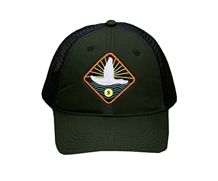 1e6fce34adfa5 Southern Marsh Men s Flying Duck Trucker Hat (Dark Green) at Amazon Men s  Clothing store
