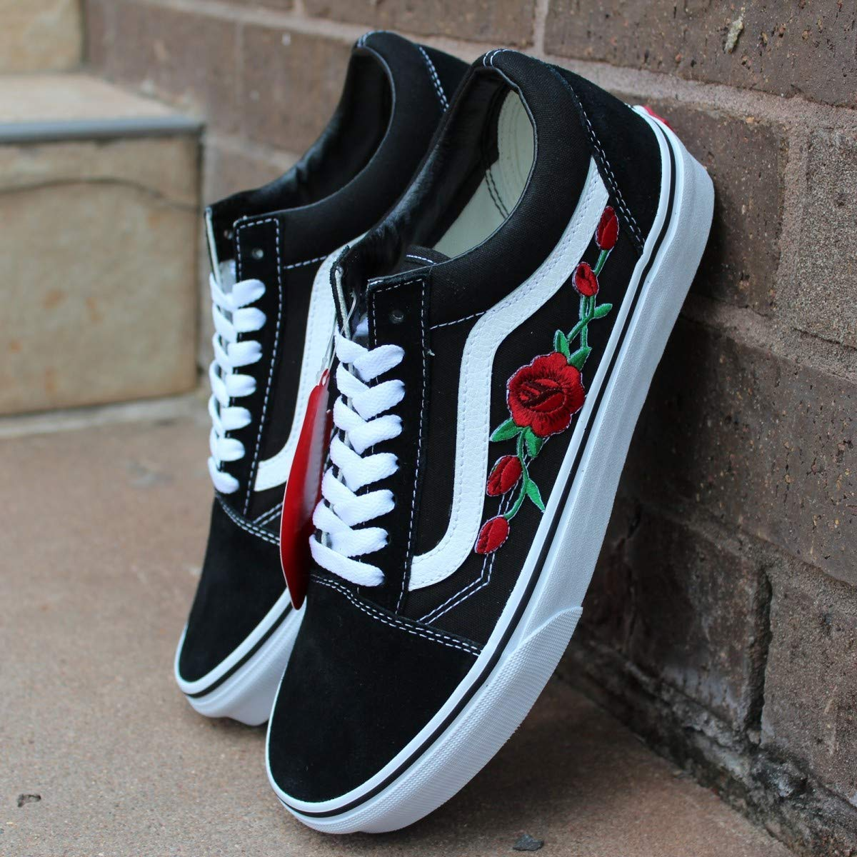 vans roses old skool