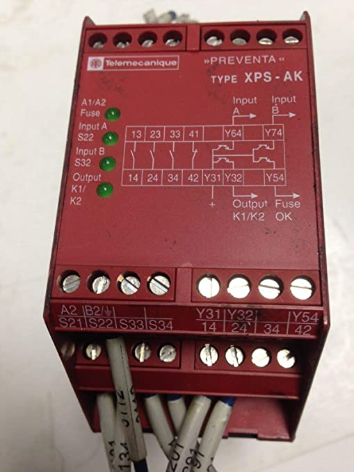 USED TELEMECANIQUE SAFETY RELAY XPS-AK DB