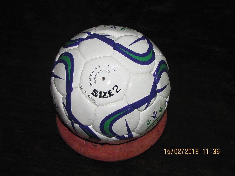 Balón de fútbol sala, talla 2, color blanco: Amazon.es: Deportes y ...