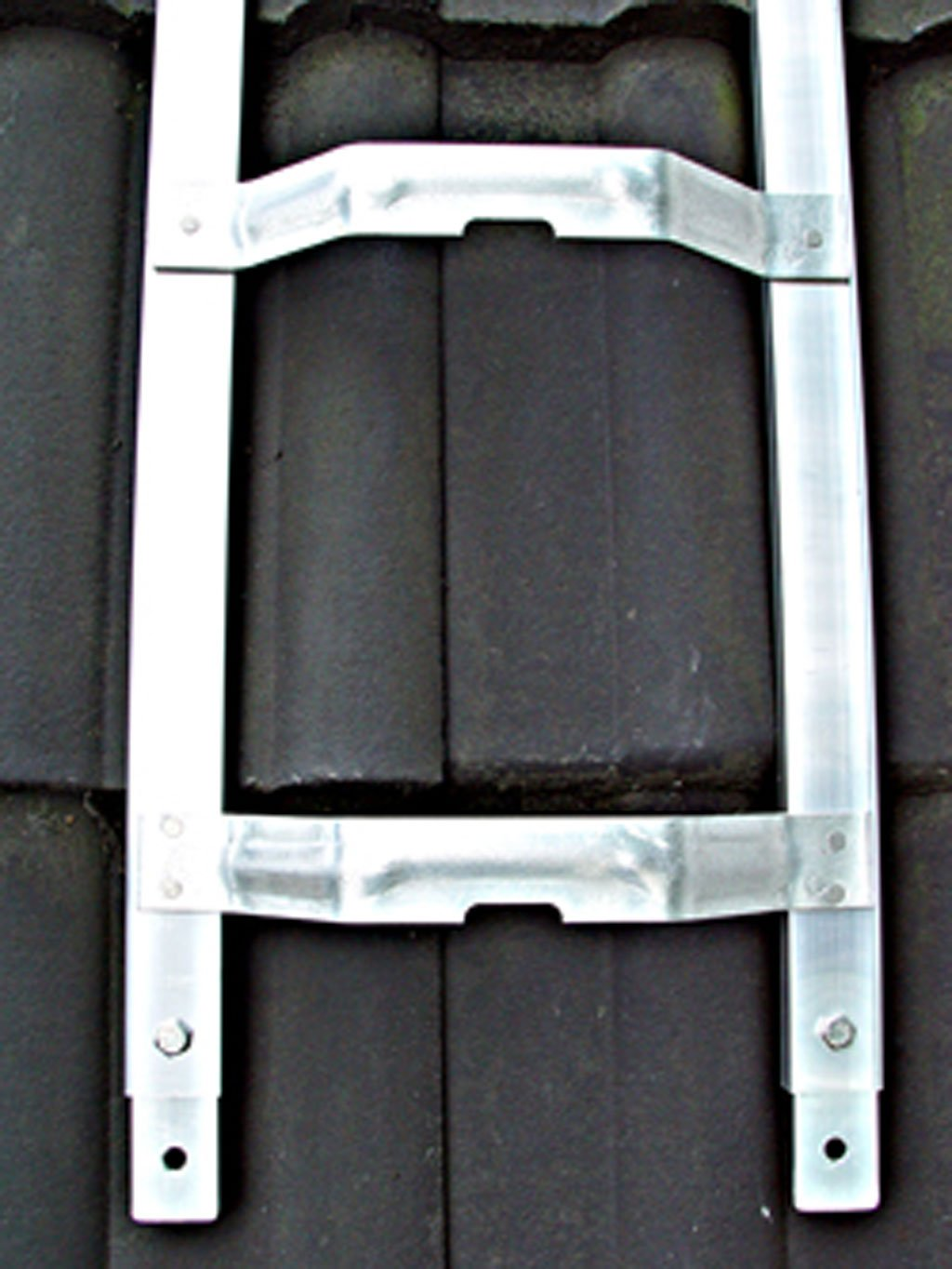 Dachleiter Aluminium 4,07 m Dachdeckerauflegeleiter 15 Sprossen gew/ölbte Bremer Sprosse nach BGR 203