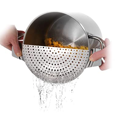 Westmark 16392260 Stainless Steel Pan Pot Strainer with Recessed Hand Grips Suitable for All Sizes Up to 10