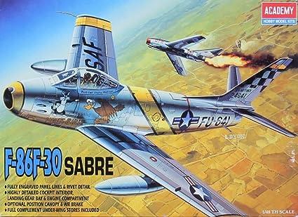 Amazon.com: Academy 1: 48 F-86 F-30 Sabre de plástico ...