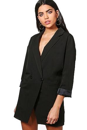 Vestido negro com blazer