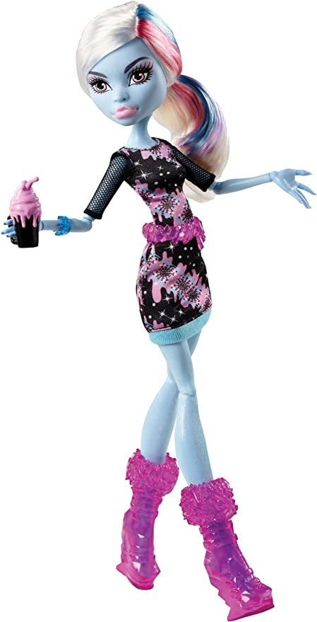 Amazon Com Mattel Monster High Coffin Bean Abbey Bominable Doll Toys Games