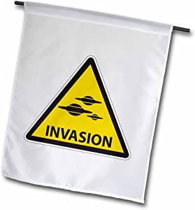 "3dRose fl_155074_2""UFO Invasion Warning Sign Road Attention Traffic Abduction Aliens Garden Flag, 18 x 27"