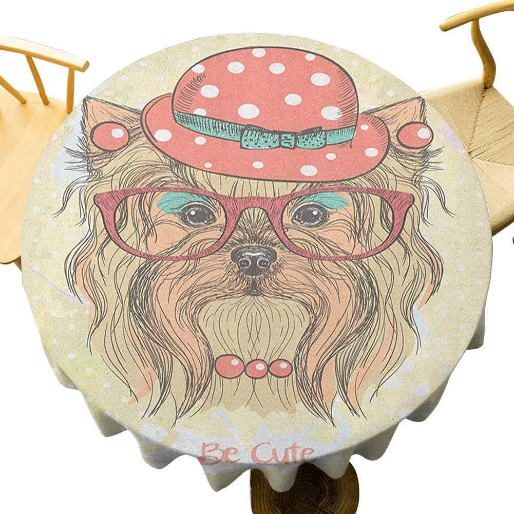 VICWOWONE Yorkie Mantel – 150 cm decorativo redondo mantel de mesa Be Cute Retrato de un adorable perro con pendientes, collar gafas sombrero decoración vacaciones marrón pálido coral