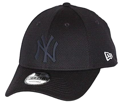 be551f862a3 New Era 9FORTY New York Yankees Baseball Cap - MLB Rubber Logo Mesh - Navy  Adjustable