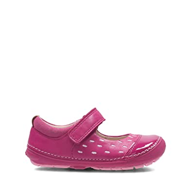 5ac15f9197f0db Clarks Softly Lou First Leather Shoes in Pink  Amazon.co.uk  Shoes ...