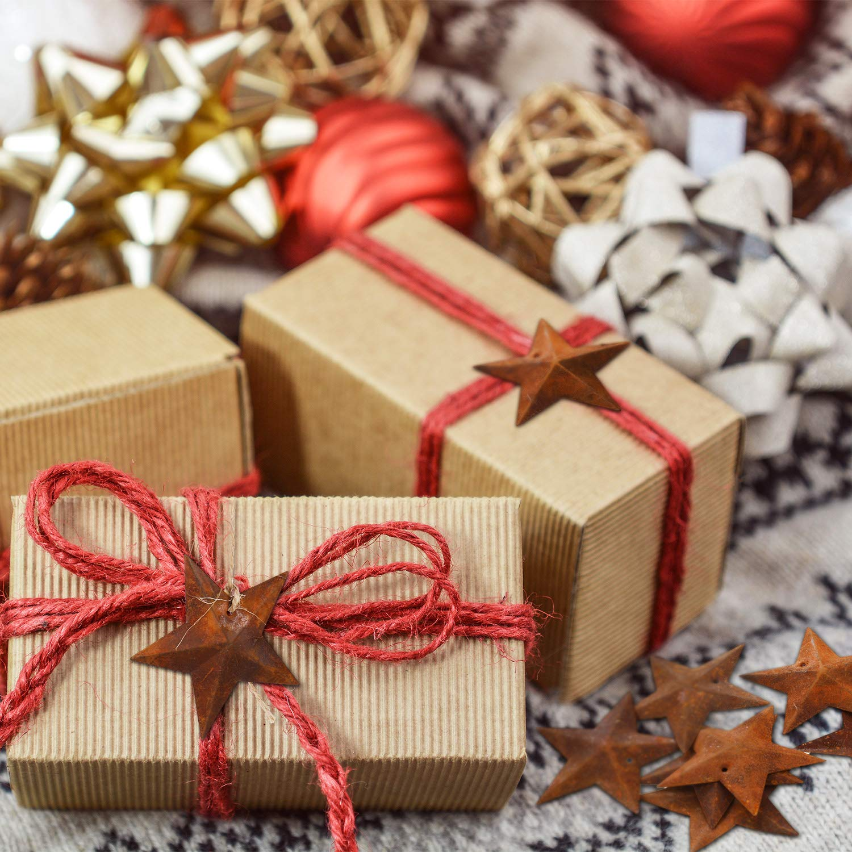 150 Pezzi Natale Rugginoso Stelle Metalliche Natale Stelle Arrugginite con Buco e Spago per Forniture Artigianali Decorazione Albero di Natale