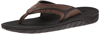 9245be31f351 Amazon.com  Reef Men S Leather Slap II Thong Sandal  Shoes