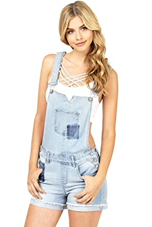 c81c72f6e77 Amazon.com  Celebrity Pink Women s Juniors Stretchy Cuffed Hem Short ...