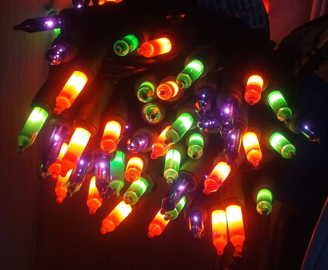 100 Ct Halloween String Light Set, Orange, Green, Purple, Black Cord by Home Accents Holiday (Image #2)