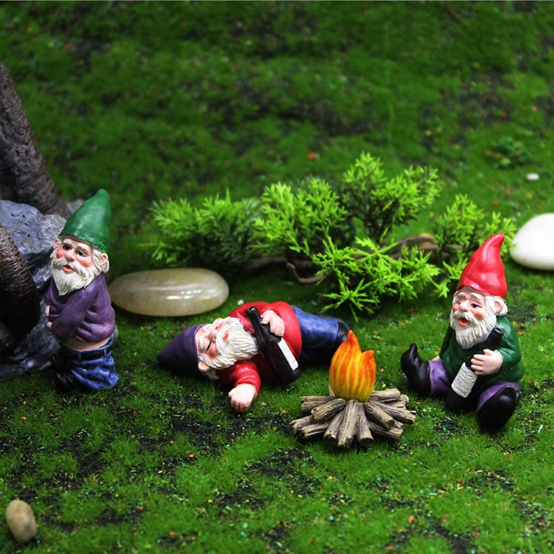 4PCS Garden Gnome Happy Beer Guzzling Gnome Happy Garden Statue Miniature Fairy Garden Figurines Set for Outdoor Decor