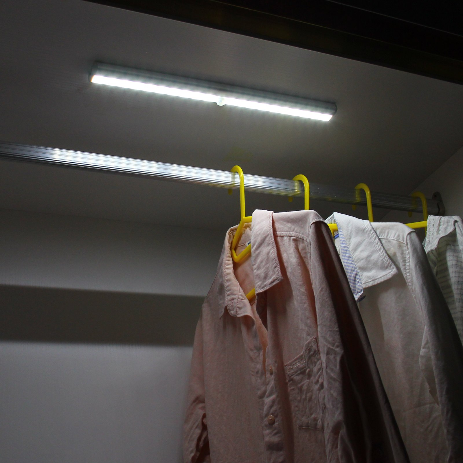 OxyLED Motion Sensor Closet Lights, Wardrobe Light USB Rechargeable Under Cabinet Lightening, Stick-on Cordless 20 LED Night Light Emergency light, Safe Lights with Magnetic Strip, 1 Pack, T-02S by OxyLED (Image #8)