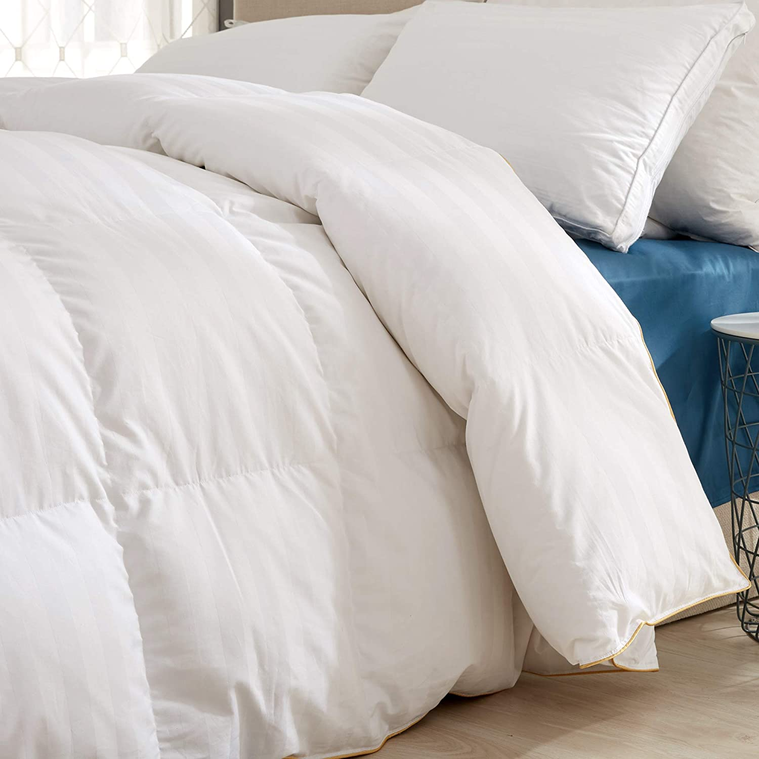 Goose Down Comforter 600 Fill Power Cotton Shell 500 Thread Count Stripe King/Cal King White