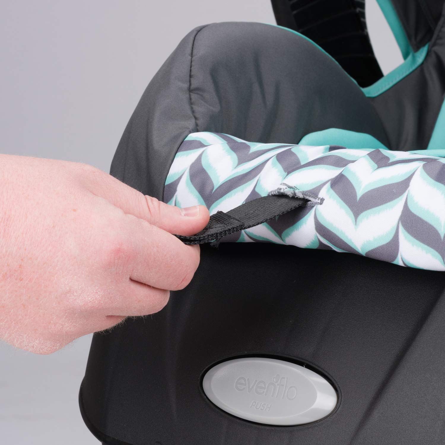 Evenflo Vive Travel System with Embrace Infant Car Seat, Spearmint Spree by Evenflo (Image #5)