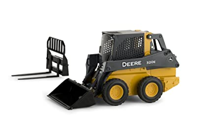 John Deere Skid Steer >> Amazon Com John Deere Ertl 320e Skid Steer Loader Vehicle 1 16