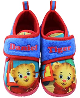 Amazon Com Jay Franco Daniel Tiger Bedding Blue Toddler Bed Home